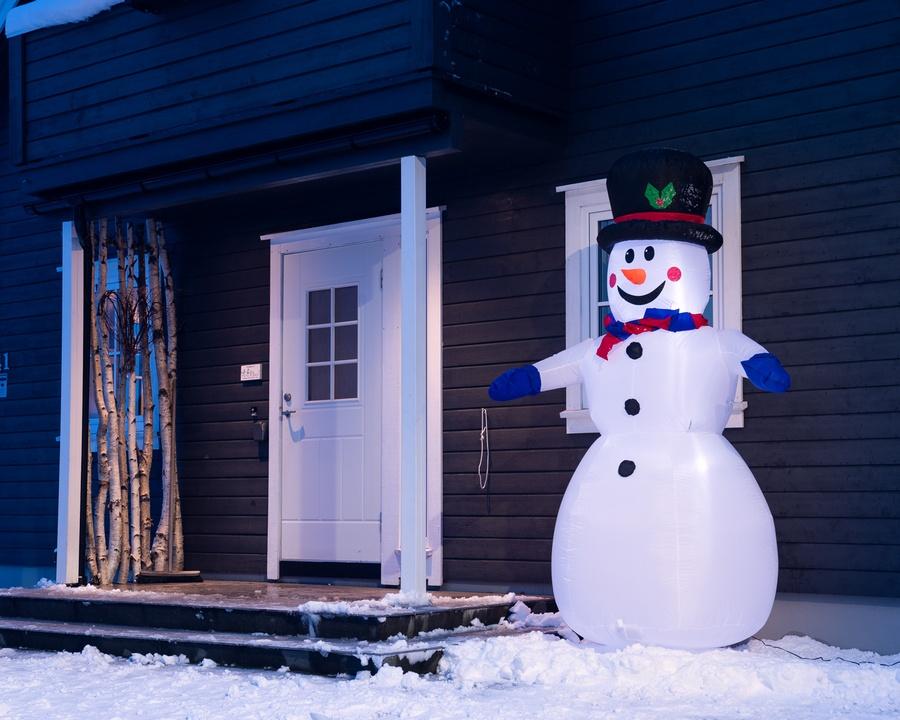 Oppblåsbar snømann – 2,4 meter